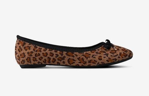 Leopardmönstrade ballerinaskor från Ellos.
