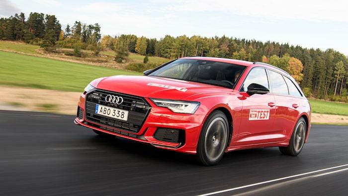 Nya Audi A6 har lanserats i Sverige under 2020 och nu finns den som kombi och laddhybrid.
