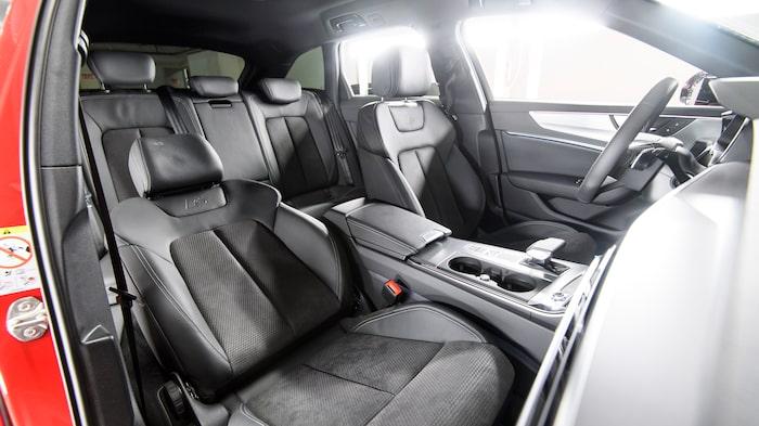Om du får välja plats i en Audi A6 så sätt dig bakom ratten. Där trivs testlaget allra, allra bäst.