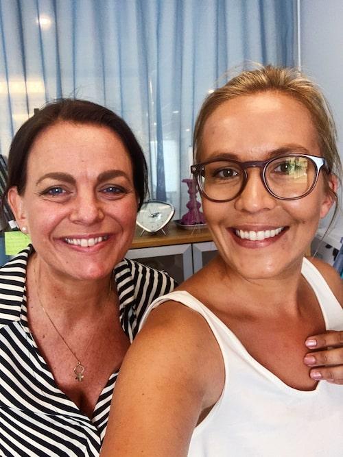 Fanny Widman tillsammans med författaren och journalisten Katarina Wennstam, gäst i podden Fannys förebilder.