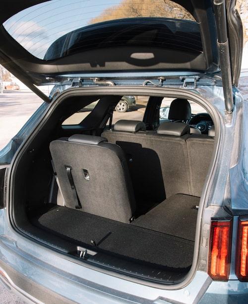 En tredje sätesrad kan vara avgörande för många barnfamiljer. Men av bagageutrymmet blir det inte mycket kvar.