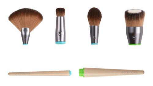 Håret i alla borsthuvuden är veganska om du väljer produkter från EcoTools.  Visste du att syntetiska borstar oftast håller längre och ger ett bättre resultat när du lägger din flytande makeup? Dessutom är de lättare att hålla rena.
