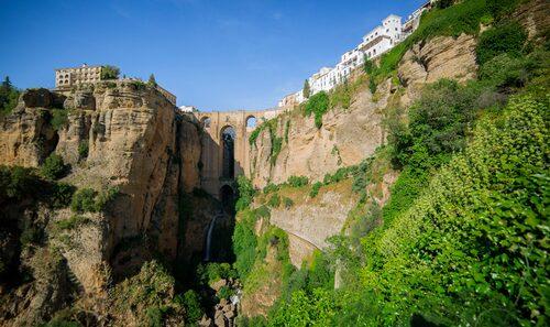 Bron Puento Nuevo som binder samman två av Rondas stadsdelar är magnifik.