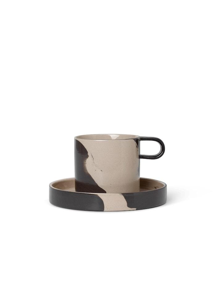Inlay kopp med fat i tvåfärgat stengods, Ferm living.