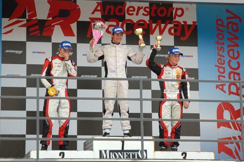 Pallen efter det andra heatet: Tom Blomqvist, Daniel Roos och Felix Rosenqvist.