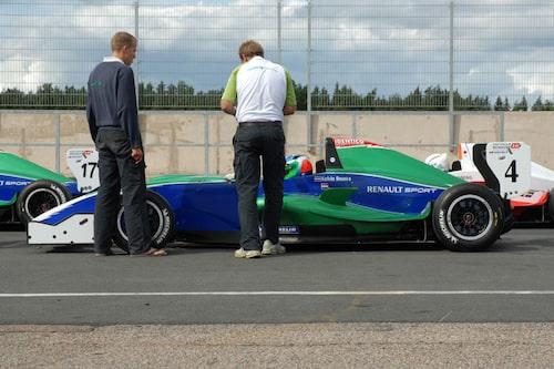 Besök från Nederländerna. Kelvin Snoeks lyckades bäst i heat två där han körde till sig sjätteplatsen.