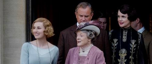 Tre generationer Crawley: Laura Carmichael som spelar Lady Edith, Maggie Smith i rollen som Violet Crawley, änkegrevinna och Elizabeth McGovern som spelar Cora Crawley, grevinna.
