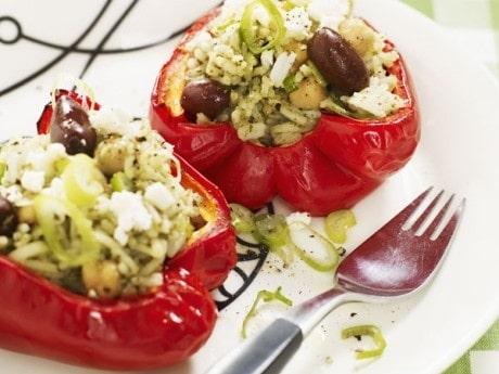 Pesto-risfyllda  paprikor med kikärter