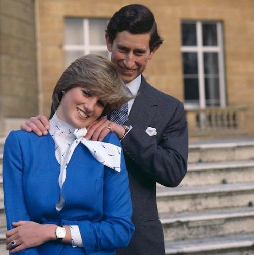 24 februari 1981, Charles och Diana har just offentliggjort sin förlovning.