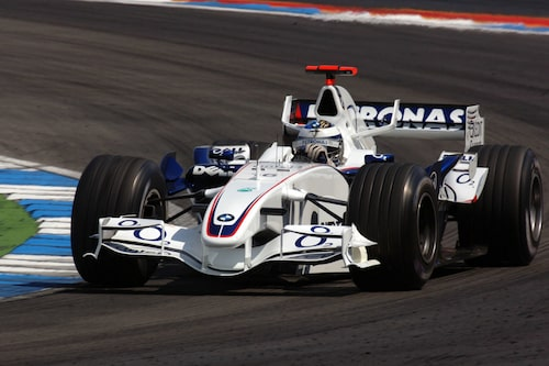 Bilen med Nick Heidfeld bakom ratten på Hockenheimring 2006.
