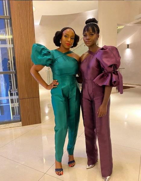 Chimamanda och Lupita Nyong'o i outfits från Imad Eduso.