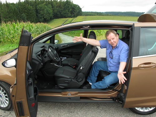 PeO Kjellström tar emot i Ford B-Max.