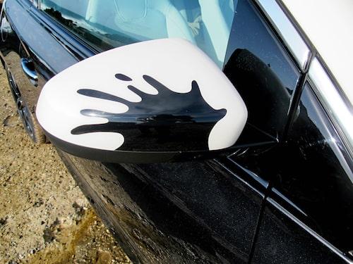 Med förhållandevis enkla detaljer såsom stripes ska Opel Adam bli modemedvetna och gatusmartas val.