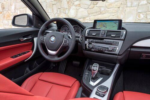 Rattvärme och läderklädsel är ypperlig tillvalsutrustning i öppen cabriolet – glöm ej!