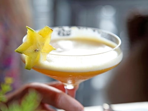 Tips! Prova en läskande Pornstar Martini på Bar Tjuvholmen eller Bar Vulkan, vodka blandad med passionsfrukt, citronsaft och vanilj.