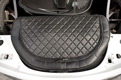 Exklusiv väska ingår i Koenigsegg Agera R.