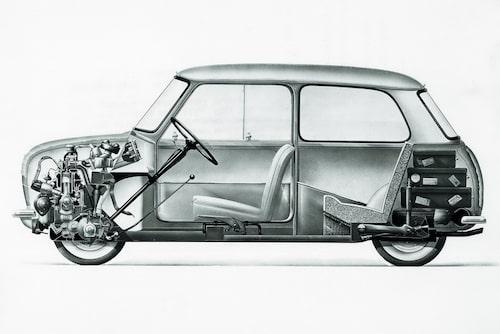 Sir Alec Issigonis Mini-konstruktion är storleksmässigt jämförbar med Rocketman men i övrigt är likheterna få.