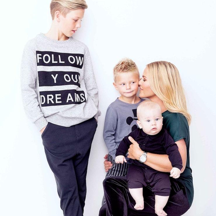 Magdalena Graaf med sönerna Lance, Charlie och Louie. Foto: Jakob Dahlström
