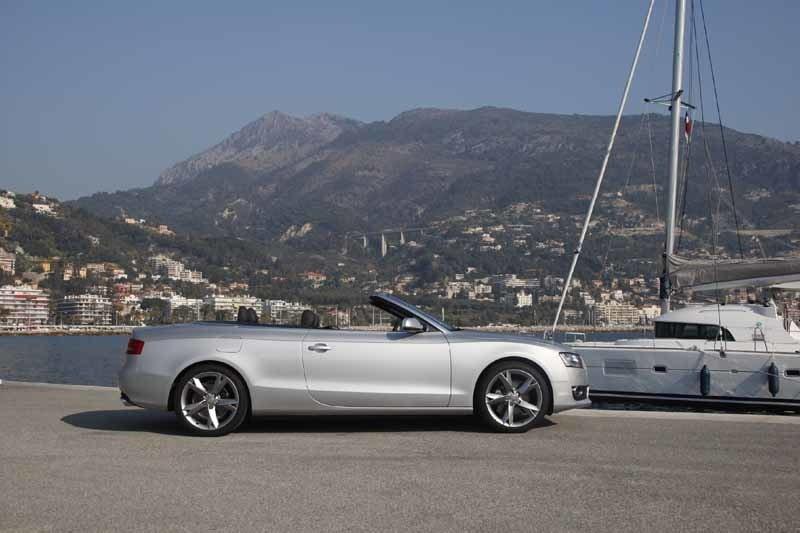 Den böljande midjan ger Audi en både anslående och betagande profil.