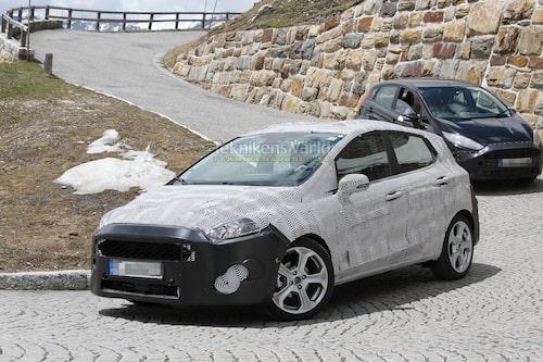 Under denna virriga maskering gömmer sig nya Ford Fiesta. Foto: CarPix