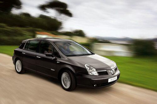 Vel satis är en akronym för Velocity and Satisfaction (hastighet och tillfredsställelse). Modellen blev aldrig någon försäljningssuccé för Renault, även om den franske presidenten Sarkozy har en som tjänstebil.