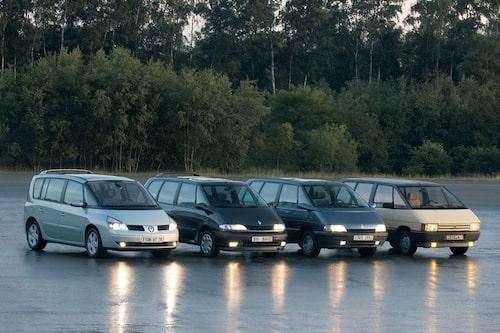 Namnet Espace har funnits länge i Renaults vokabulär. Den första generationen kom 1984 och anses av många (speciellt Renault själva) ha varit världens första MPV.