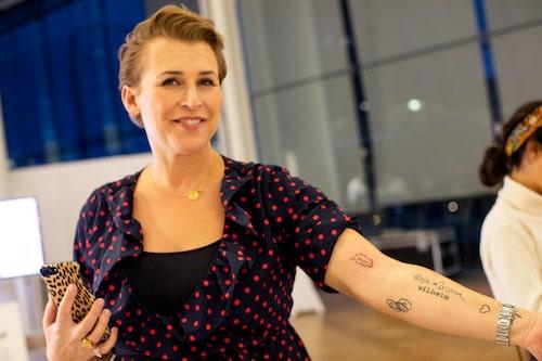 Hannah vågade sig dessutom på att föreviga dagen med en tatuering.