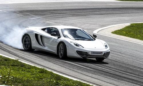 McLaren är frikostiga. De bjuder på uppgraderingen av din bil om du har tidigare än årsmodell 2013.