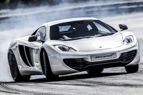 Det gäller förstås bara om du har deras supersportbil McLaren MP4-12C som i och med kommande årsmodell får 625 hästkrafter i stället för som tidigare 600 plockade ur den 3,8 liter stora V8-motorn.