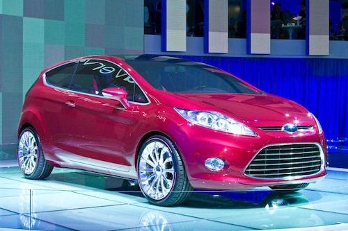 Ford Verve Concept på Frankfurtsalongen visar de drag nya generationen Fiesta kommer att få.