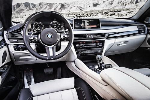 Interiört känner vi igen oss från nya BMW X5.