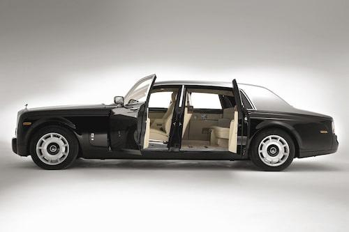 Detta är originalbilen innan den blir likbil. Här i versionen med förlängd hjulbas.