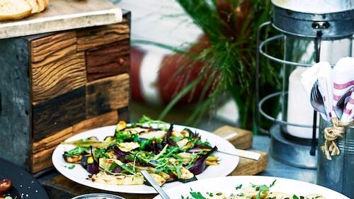 Recept på rostade sommargrönsaker.