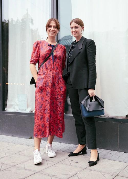 Lisa Pettersson med Emilia Klang, moderedaktör på Damernas Värld, utanför Grand Hôtel.
