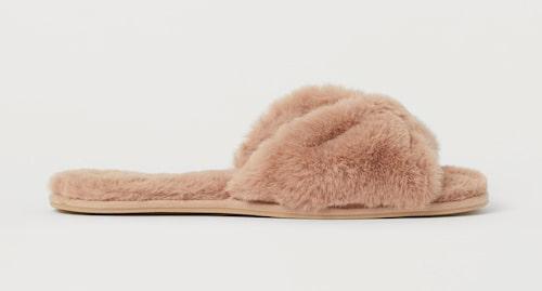 Luddiga tofflor från H&M. Klicka på bilden och kom direkt till tofflorna.