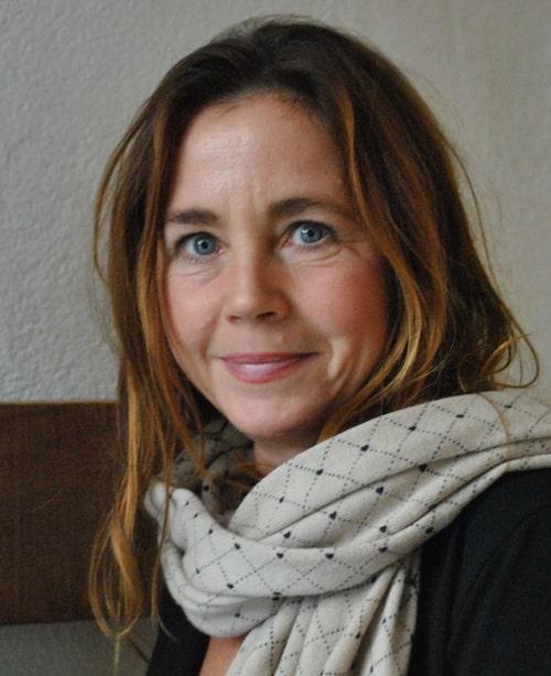 Barnpsykologen Malin Bergström tipsar om hur du kan lägga upp dagarna med barn hemma i corona-tider.
