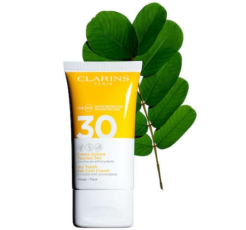 Clarins har solskydd i en mängd olika varianter: creme, som denna ovan, men också gel, olja och spray.