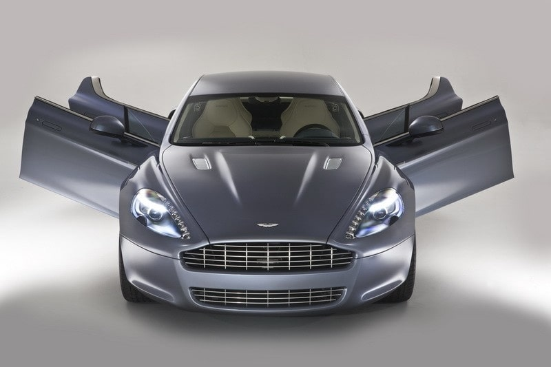 Aston Martins sportsedan Rapide utsågs till vackraste supersportbil.