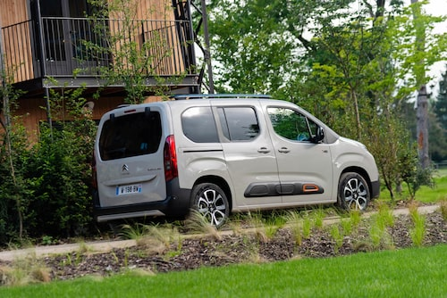 Citroën Berlingo är i princip samma bil som Opel Combo och Peugeot Rifter. Köp den med bäst pris!