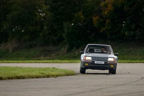 Tidsenlig krängning, men Peugeot 205 Turbo 16 är den smidigaste av de tre – dessutom med längst axelavstånd.
