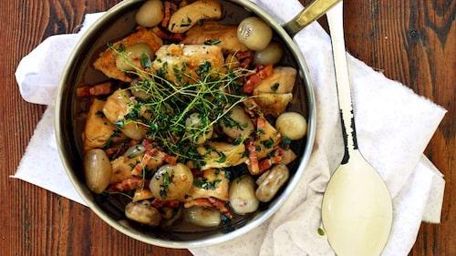 Recept på coq au vin blanc.