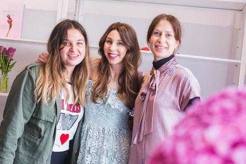 Damernas Världs stylist och modejournalist Nadia Kandil, skönhetsredaktören och Beautyfood-författaren Maria Ahlgren och modechef Lisa Pettersson.