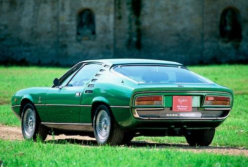 Montreal-profilen påminde starkt om Lamborghini Miura, vilket ju inte var så konstigt eftersom båda bilarna ritades av Bertones designers. Montreal var inte på långa vägar lika extrem som sin släkting utan snarare en tämligen konventionell landsvägsracer.