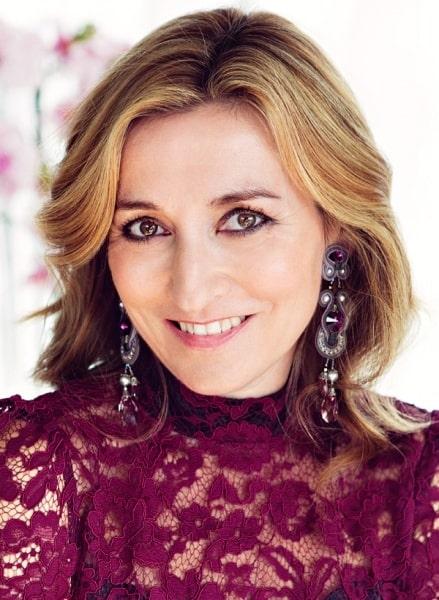 Kläder har alltid varit ett smidigt och ganska lättillgängligt sätt att uttrycka sig på, säger Martina Bonnier.