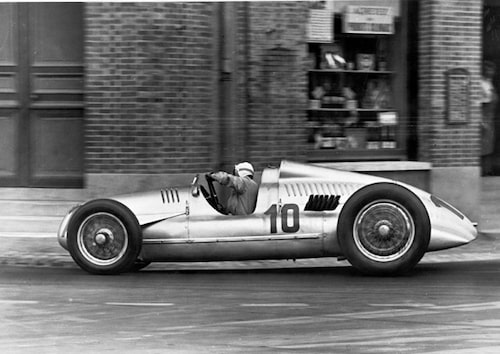 Hans Stuck körde Auto Union Type D i French Grand Prix 1939.