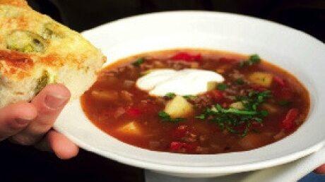 Recept på köttfärssoppa med paprika och texmexkryddor som räcker till 30 personer.