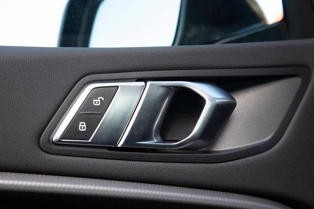 BMW:s knixiga design går igen även i de små detaljerna.