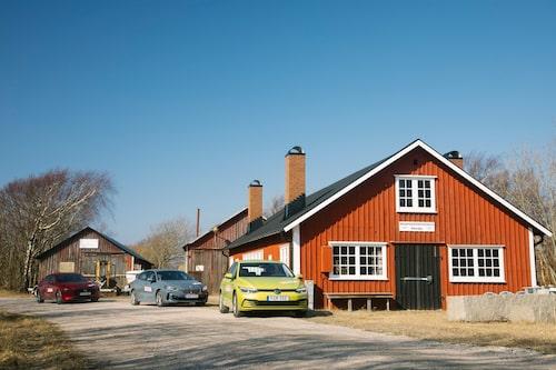 Golfklass-trion vid smedjan på Bohus-Malmön.