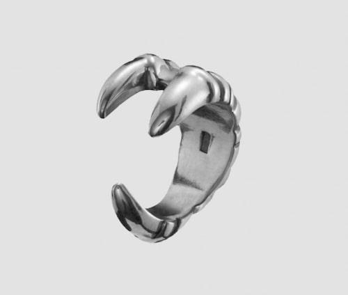 Ear cuff från Maria Nilsdotter.