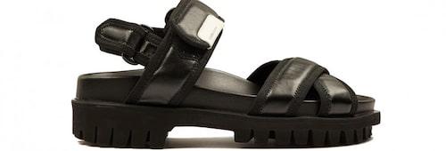 Chunky sandaler från Ganni. Klicka på bilden och kom direkt till sandalerna.